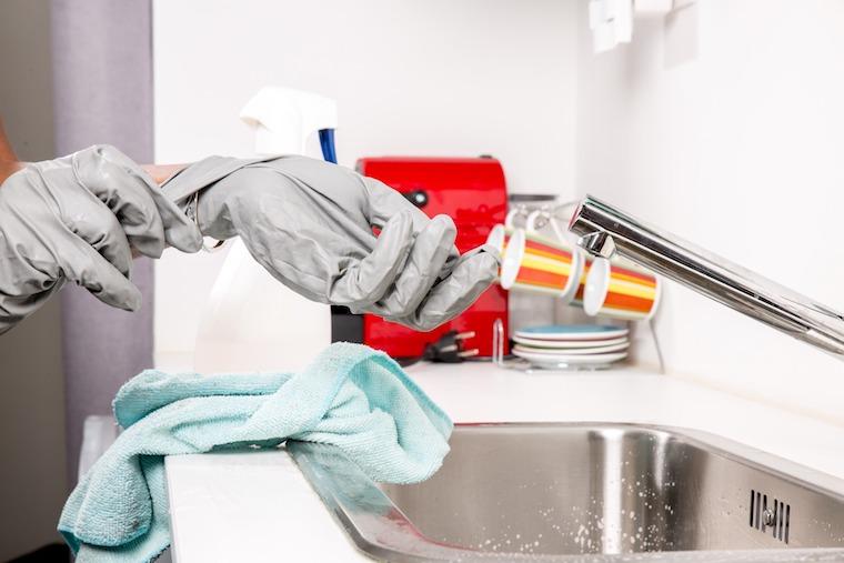Küchenarmatur reinigen