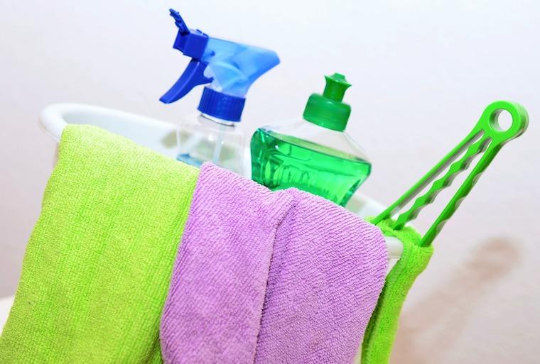 Reinigungsmittel für Küchen- und Badarmaturen